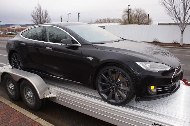 Black Tesla Model S